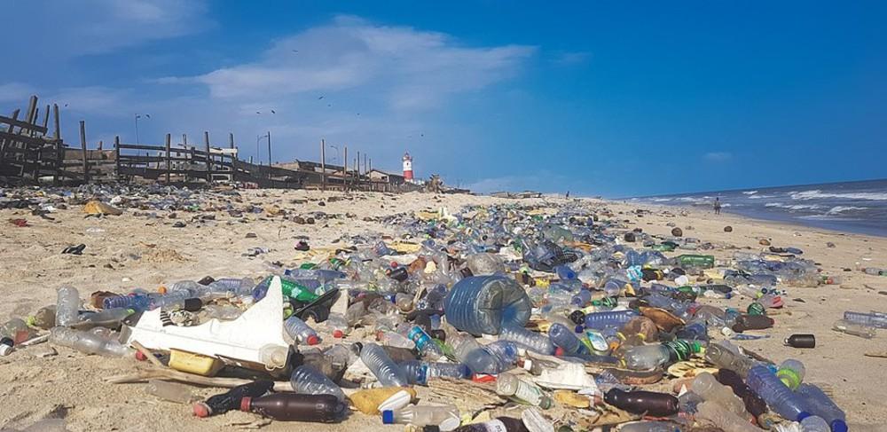 川から海へ流れ込むプラスチックごみを、河口でストップするプロジェクト始動!